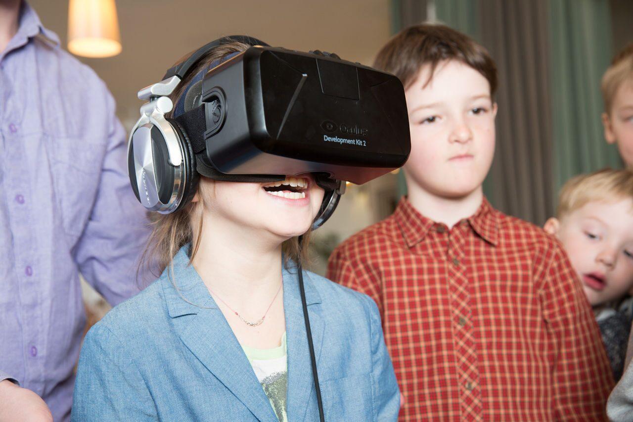 Очки виртуальной реальности для ребенка найти mavic air combo в хасавюрт